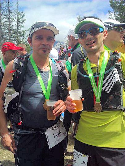 accroché médaille marathon